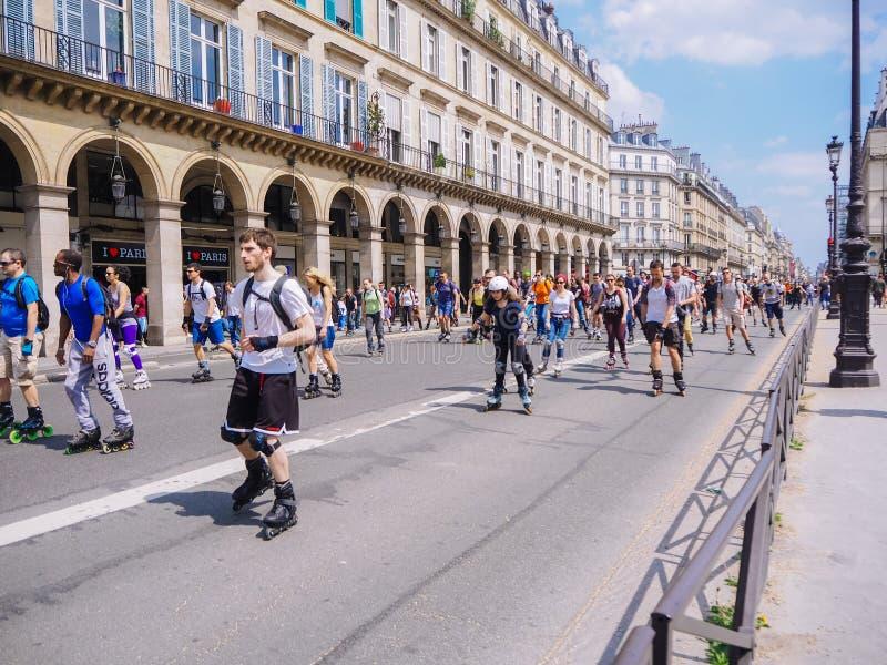 ?? ?? 2018?5? 在巴黎中心街道的滑旱冰马拉松  库存图片