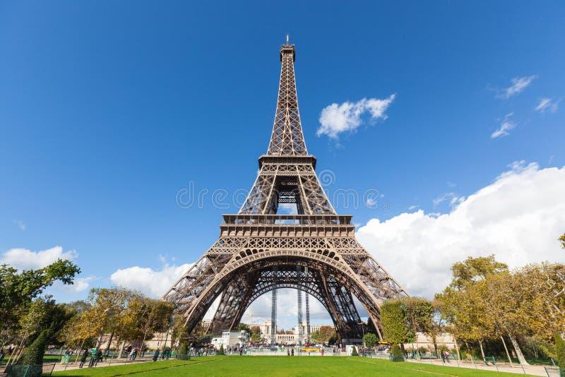 在巴黎游览埃菲尔 免版税库存照片