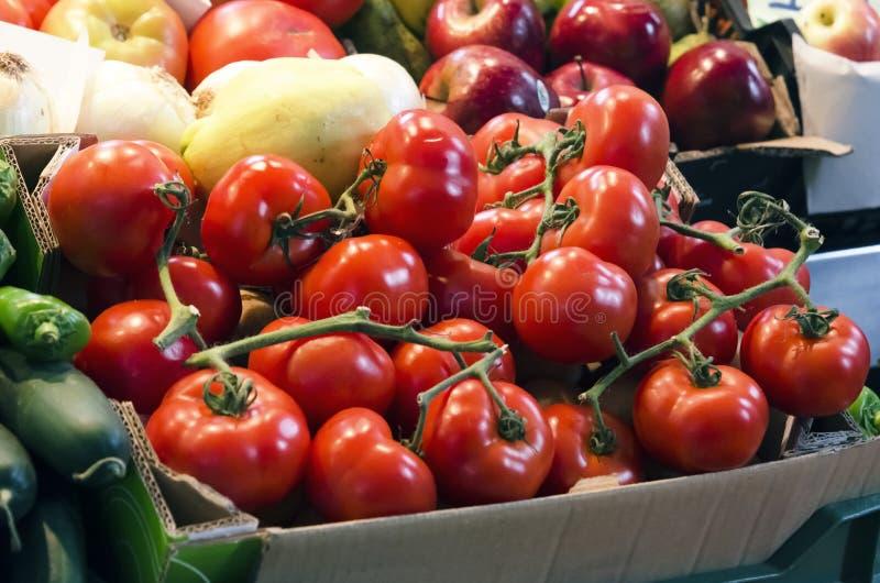 在市场上的蕃茄 图库摄影
