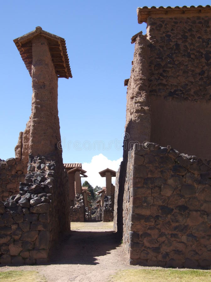 在市的废墟的街道Raqchi 免版税库存图片