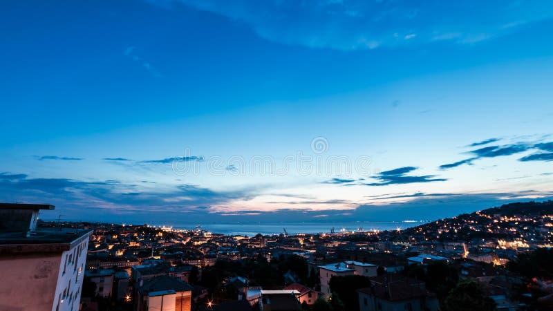 在市的日落的里雅斯特 免版税库存图片