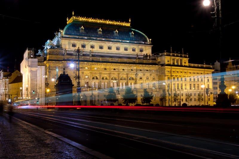 在布拉格国家戏院的晚上视图 免版税图库摄影