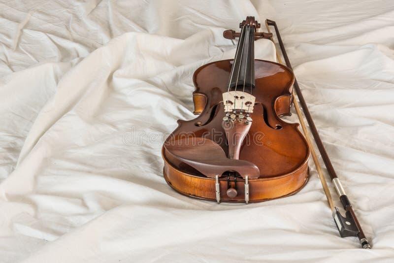 在布料的小提琴成波状 库存照片