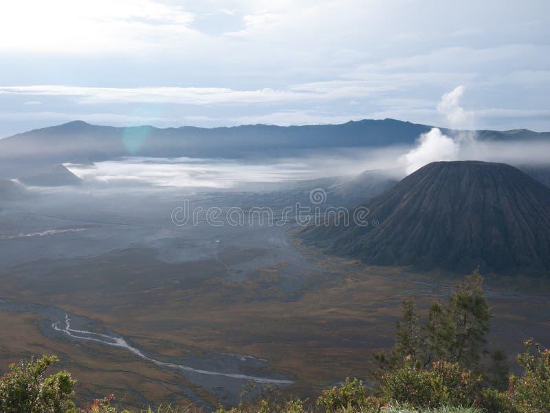 在布罗莫火山山的美丽的景色 库存图片