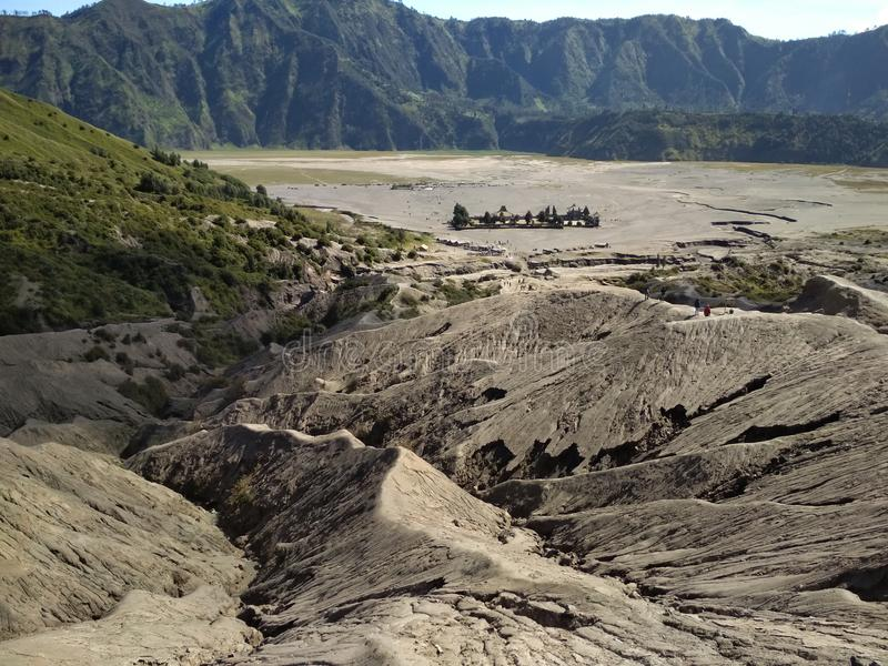 在布罗莫火山火山口的岩石  库存照片