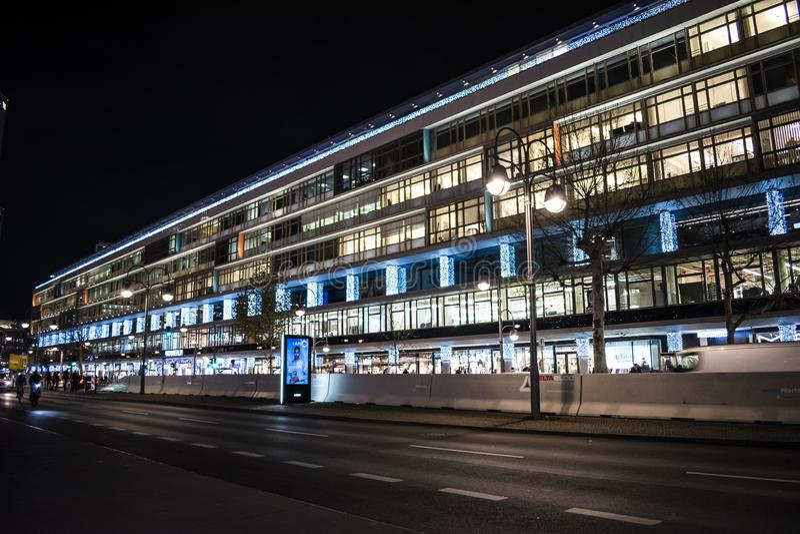 在布赖特施德广场附近的比基尼泳装购物中心在柏林 图库摄影