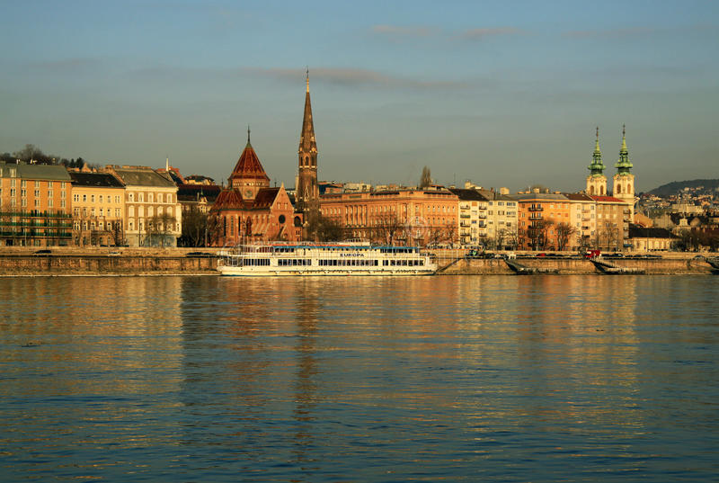 在布达佩斯,匈牙利Buda银行的看法  图库摄影