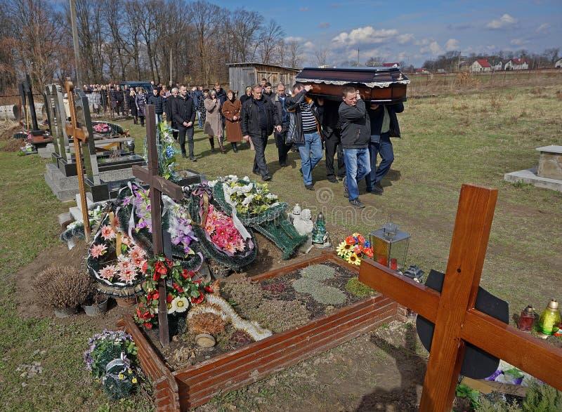 在希腊天主教徒传统的葬礼 免版税库存图片