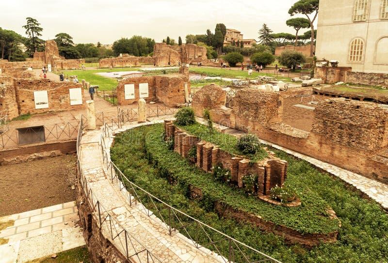 在帕勒泰恩小山的罗马废墟在罗马 库存图片