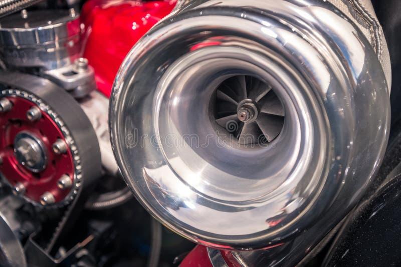 在帽子下的汽车涡轮 库存照片