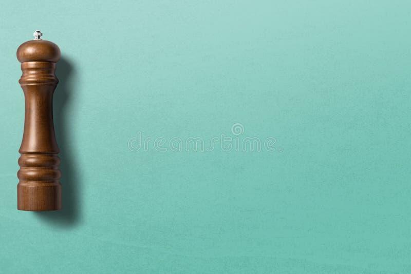 在干净的背景顶视图股票照片的胡椒研磨机 免版税库存图片