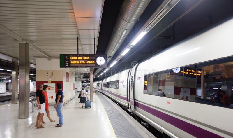 在平台的AVE火车 免版税库存图片