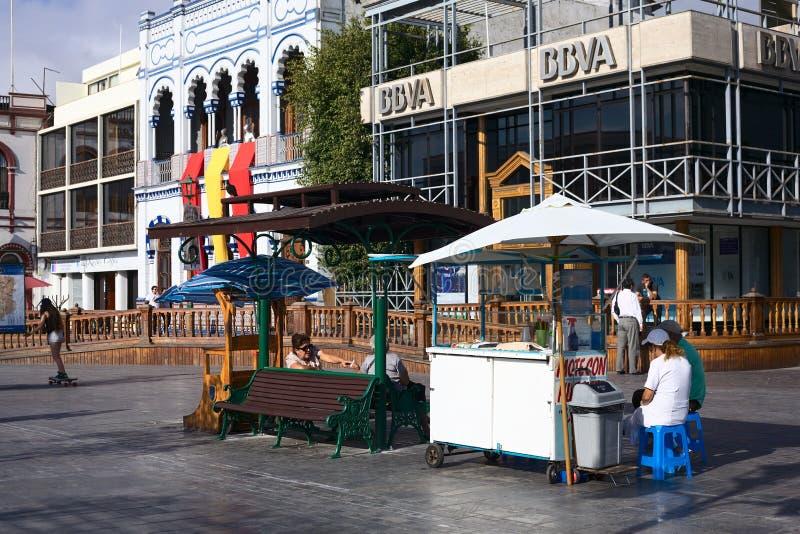 在广场Prat大广场的饮料立场在伊基克,智利 免版税库存图片