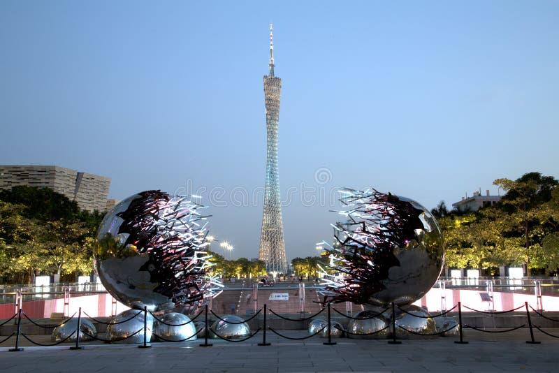在广州中国日落场面的小行政区塔 库存照片