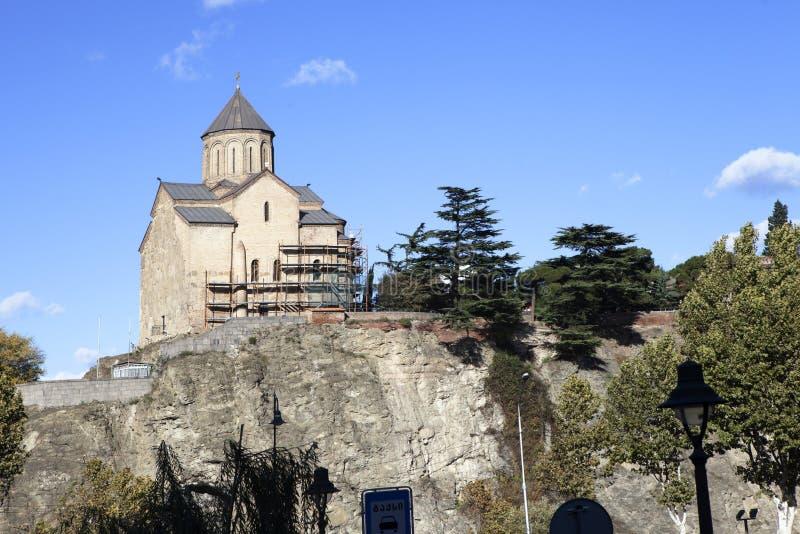 在库那河上的Metekhi教会在第比利斯,乔治亚 免版税库存照片