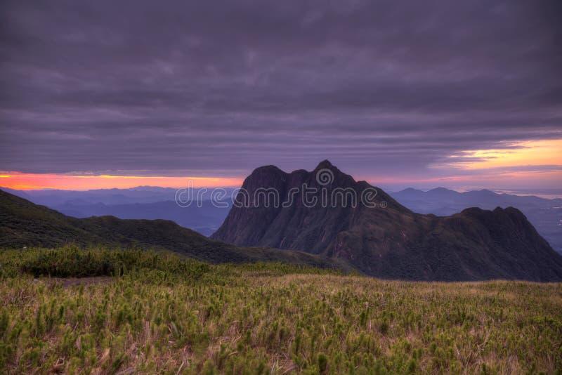 在库里奇巴附近的Pico巴拉那山- Serra做Ibitiraquire 免版税库存照片