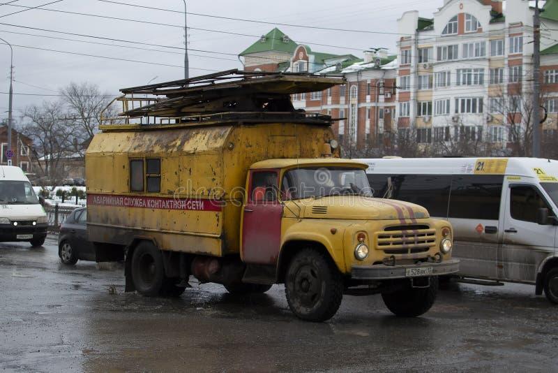 在底盘ZIL-130的紧急车 免版税库存图片