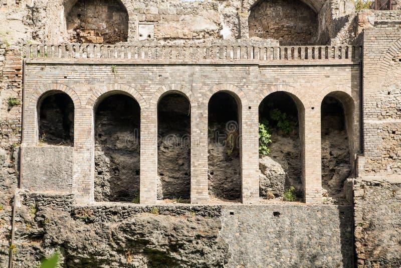 在庞贝城墙壁的曲拱 库存照片