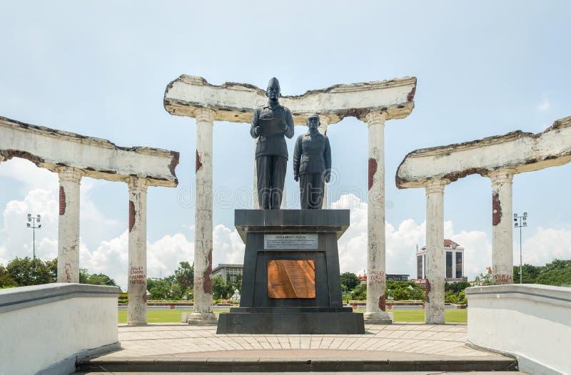 在废墟的宣布雕象,博物馆Tugu Pahlawan在苏拉巴亚,东爪哇省,印度尼西亚 库存图片