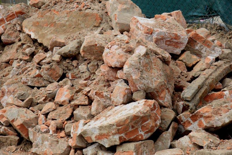 在建造场所的残破的砖 库存照片