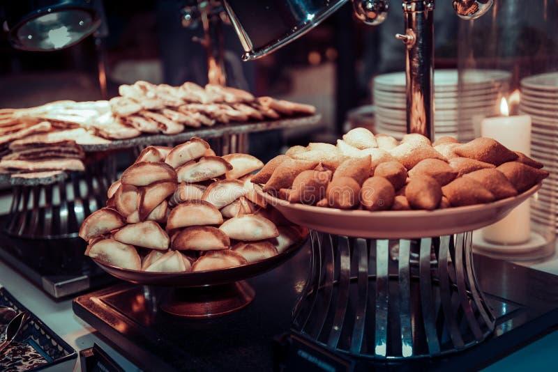 在开放自助餐的可口Arebian食物 免版税图库摄影