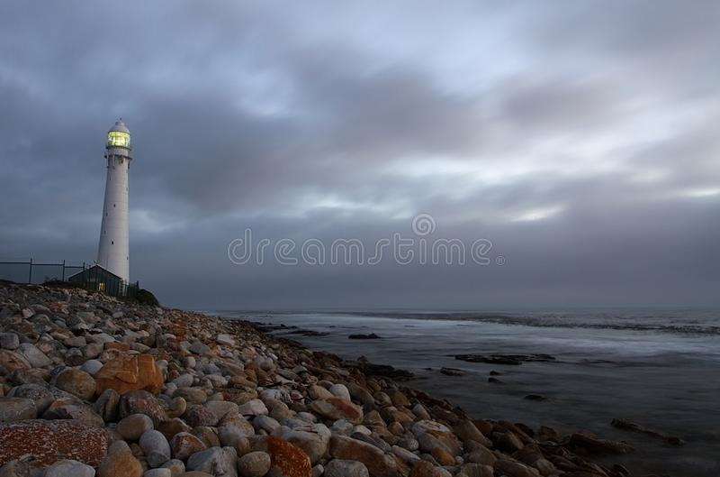 在开普敦附近的Slangkop灯塔 免版税库存照片