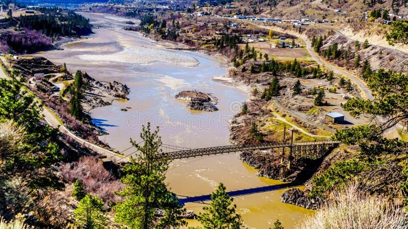在弗拉塞尔河的桥梁利卢埃特,不列颠哥伦比亚省,加拿大镇的  免版税库存图片