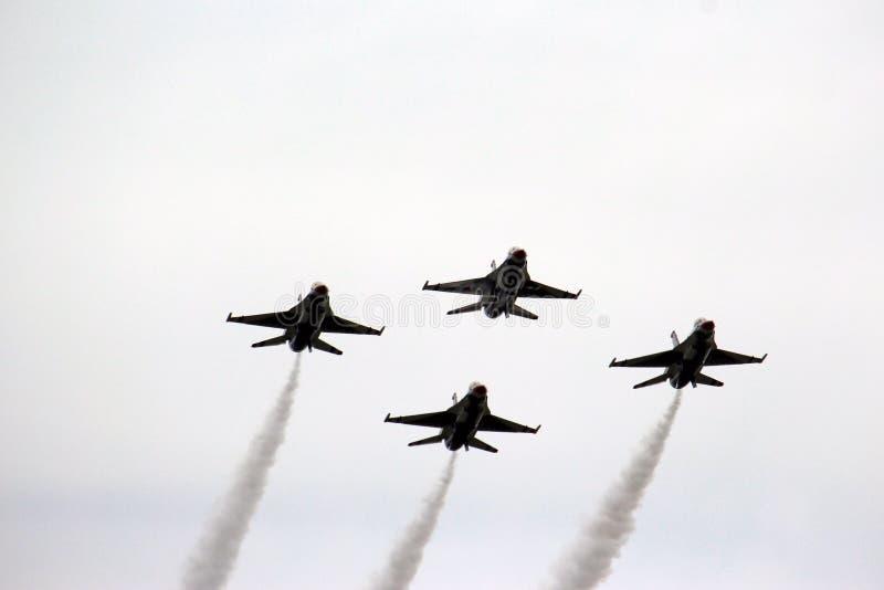 在形成的美国空军队雷鸟 免版税图库摄影