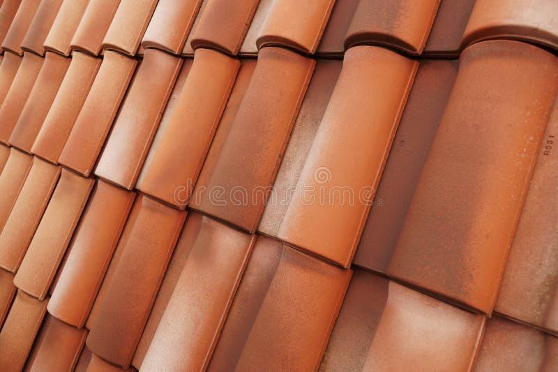 在形状和颜色的一经典瓷砖 耐久的屋顶盖子 库存图片