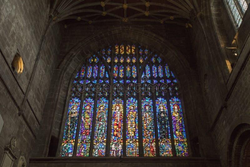 在彻斯特大教堂的污迹玻璃窗 免版税图库摄影