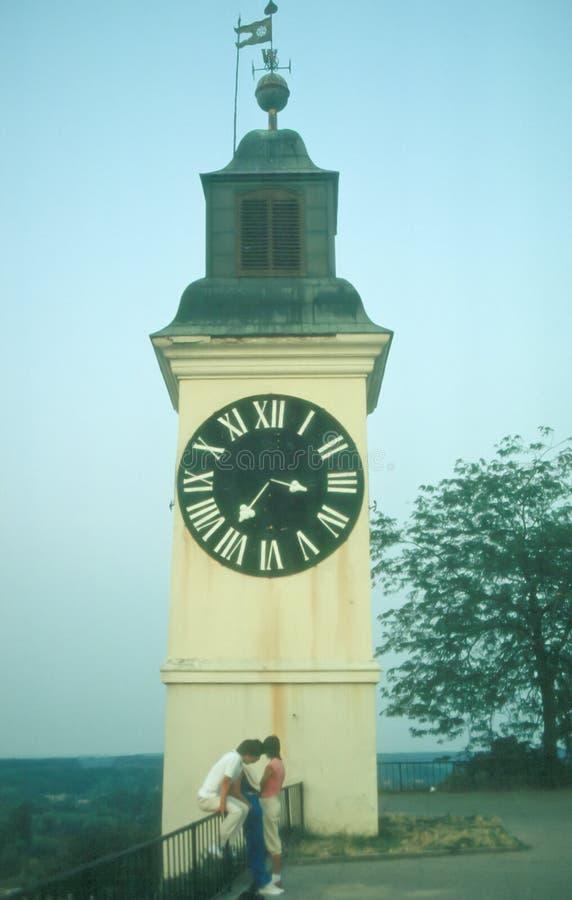 在彼得罗瓦拉丁堡垒的钟楼 库存图片