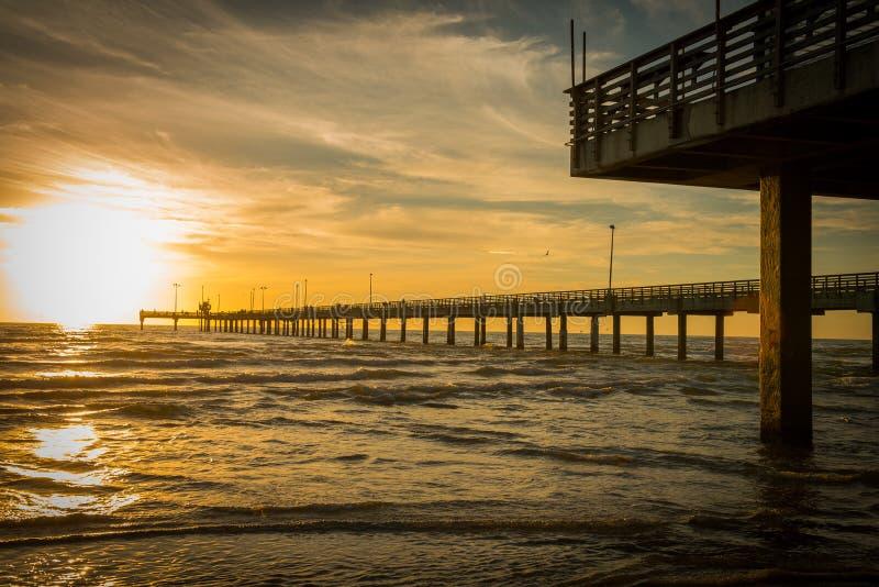 在得克萨斯墨西哥湾海岸的渔码头 图库摄影