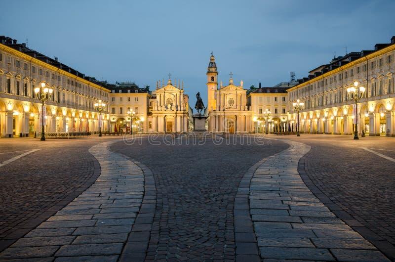 在微明的托里诺广场圣克罗 免版税库存照片