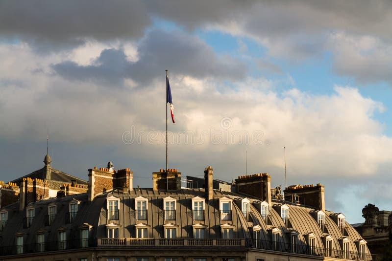 在微明的法国旗子 免版税图库摄影