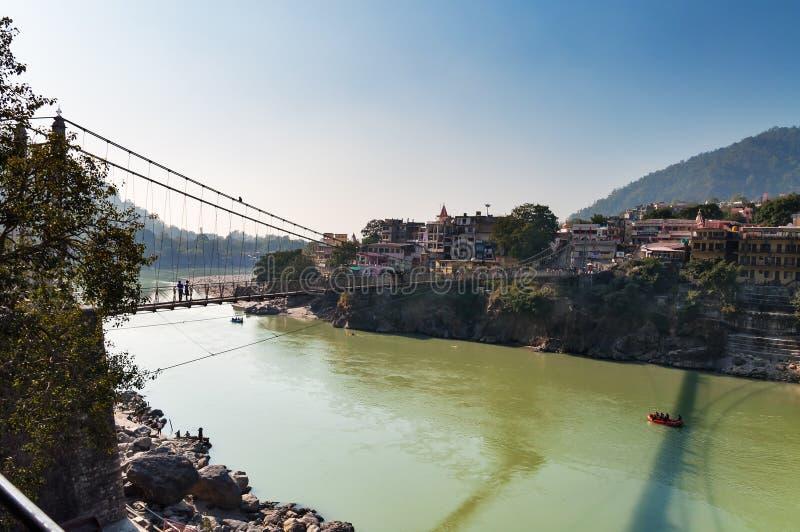 在恒河的Laxman Jhula桥梁 图库摄影