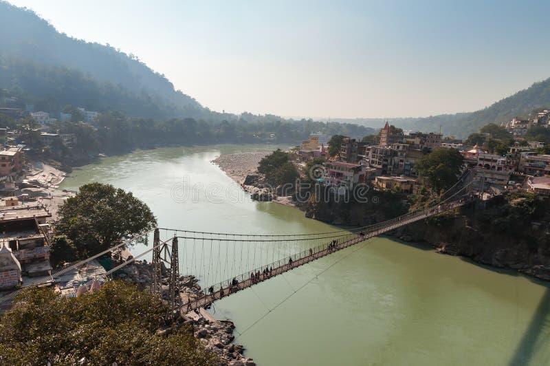 在恒河的Laxman Jhula桥梁 库存照片