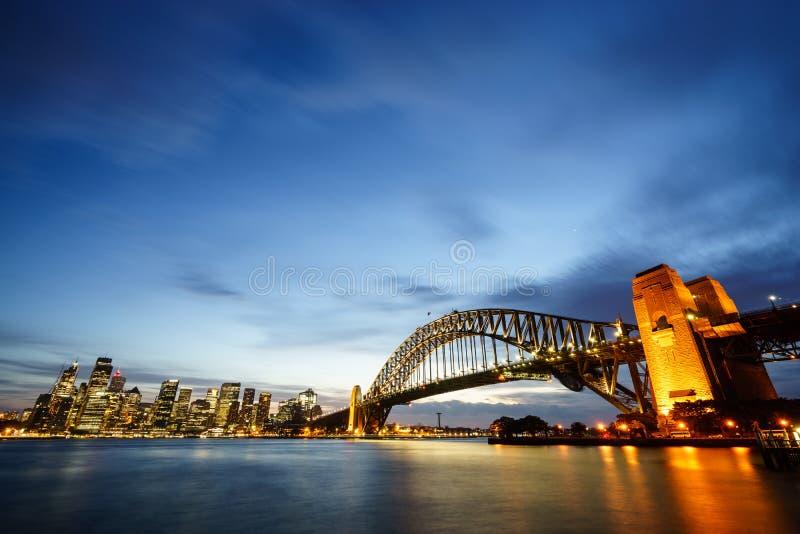在悉尼港口的黄昏 免版税库存图片