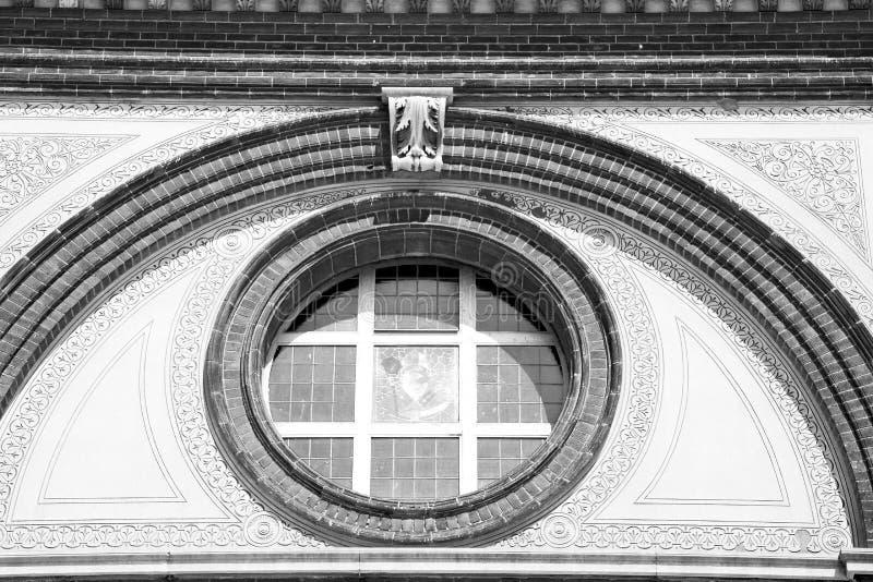 Download 在意大利欧洲大理石和圆花窗的古色古香的contruction W 库存图片 - 图片 包括有 大理石, 大教堂: 62537175