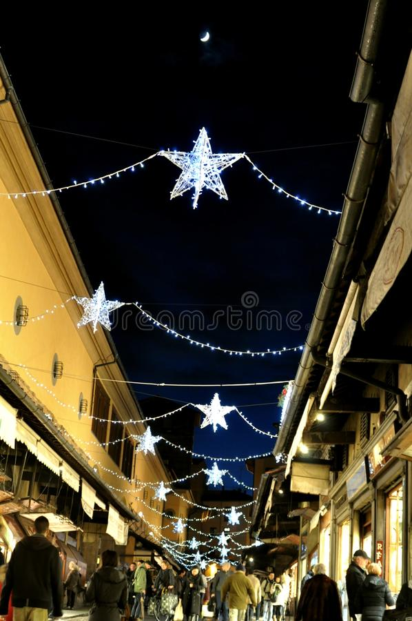 在意大利的街道的圣诞节购物 库存图片