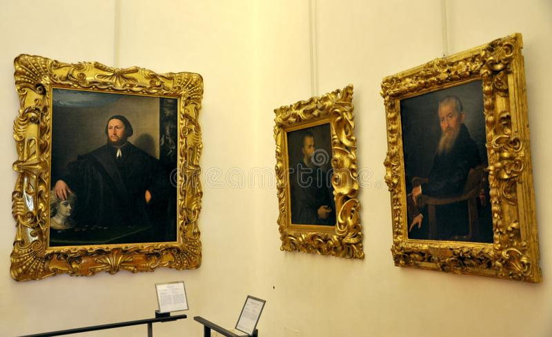 在意大利uffizi里面的佛罗伦萨画廊 免版税库存照片