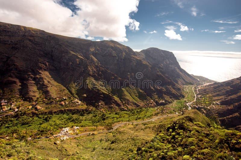 在戈梅拉岛海岛上的瓦尔Gran Rey谷 图库摄影
