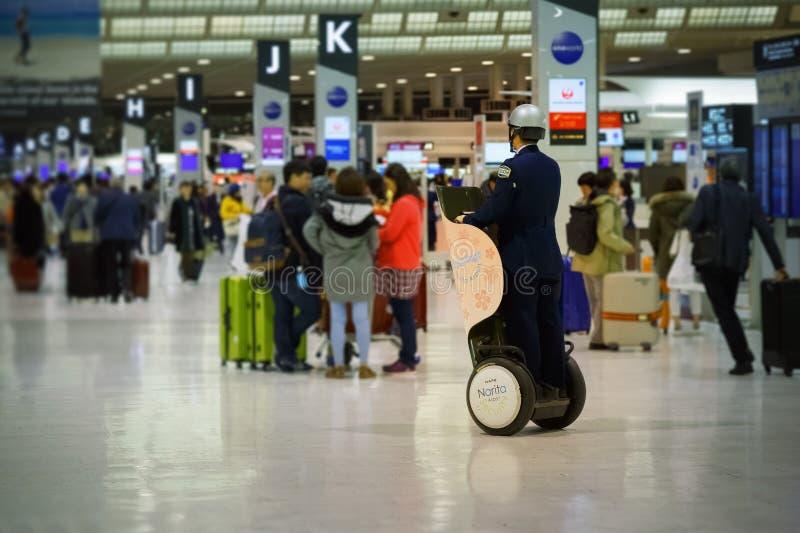 在成田空港的日本治安警卫 图库摄影