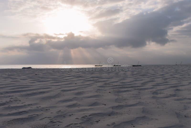 在戴安娜海滩的筏在日出 库存照片
