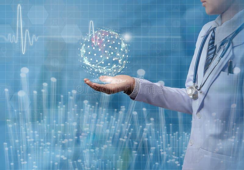 在手中对负医生的概念全球性与例证ECG 图库摄影