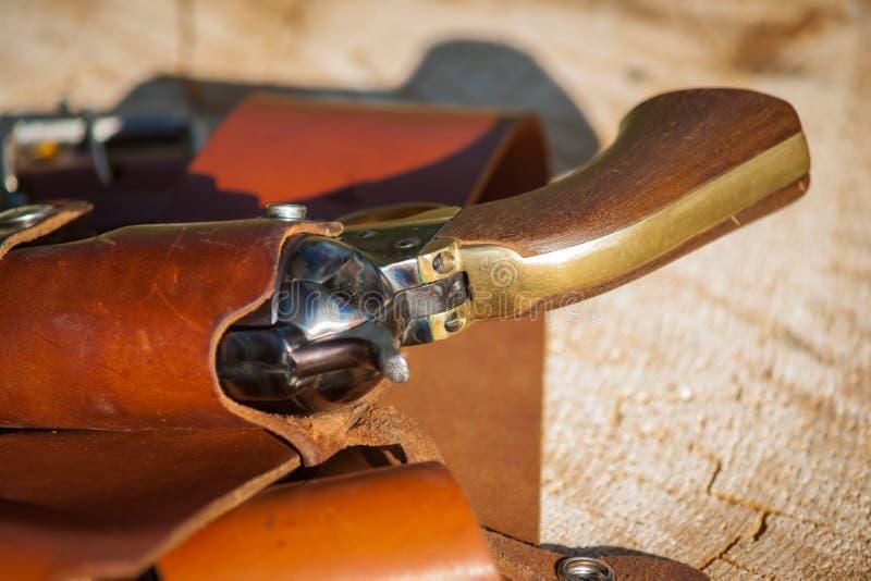 在手枪皮套的西部左轮手枪 图库摄影
