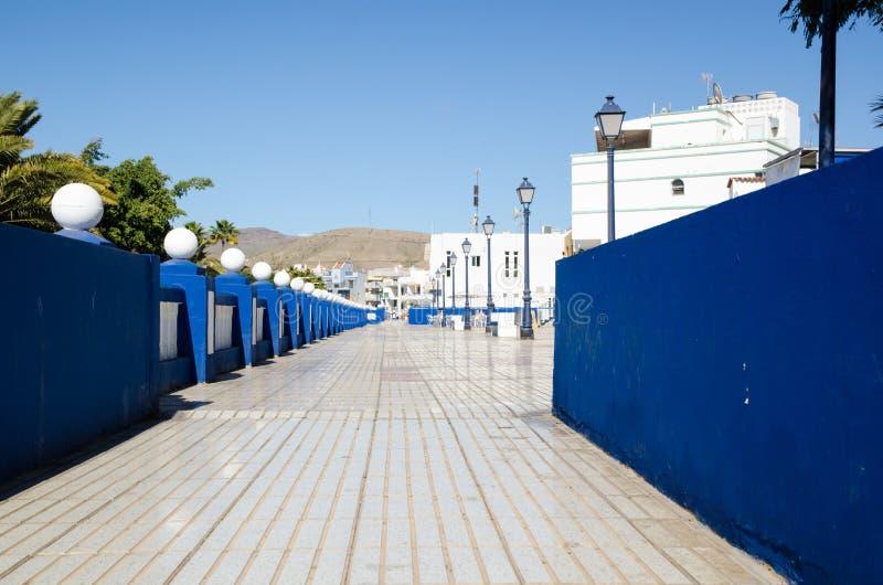 在手段Arguineguin的走道视图在西班牙 免版税库存照片