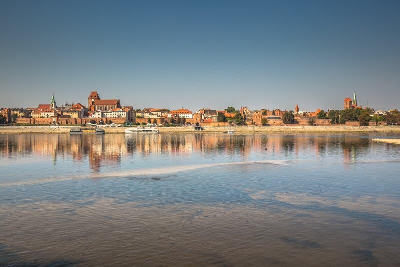 在托伦老镇的看法在维斯瓦河,波兰 免版税库存照片