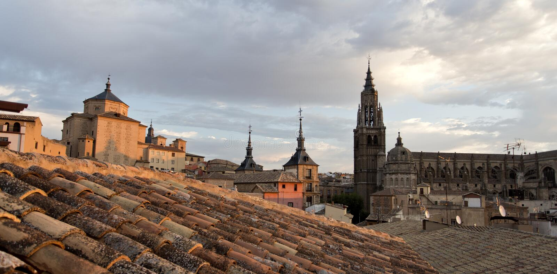 Download 在托莱多屋顶日落的 库存照片. 图片 包括有 石制品, 形成弧光的, 视图, 旅游业, 宫殿, 西班牙语 - 62527250