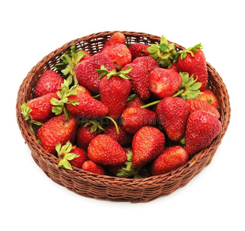 在把手箱子的草莓 免版税库存图片