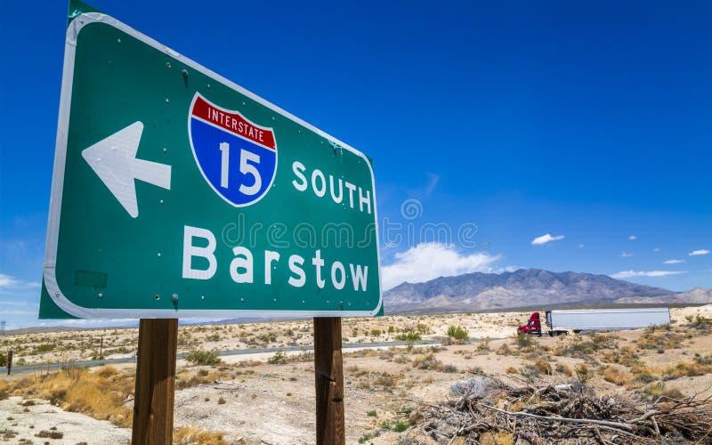 在拉斯维加斯,内华达附近的南巴斯托标志 免版税库存图片